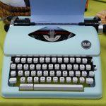 Precio económico tienda on-line We R Memory Keepers máquina de Escribir antigua